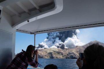 Sin signos de vida en una isla de Nueva Zelanda tras la erupción de un volcán