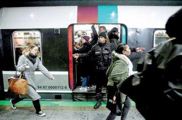 Francia: Paro de transporte genera caos en población