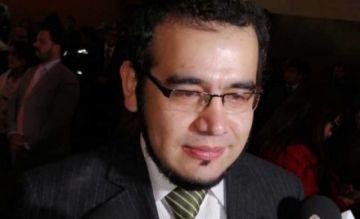 Comisión aclara que observó a Villegas por no presentar fotocopia de libreta militar
