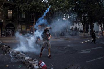 ¿Por qué el agua es también blanco de críticas en las protestas en Chile?