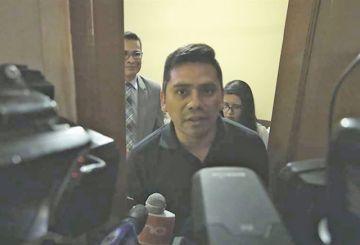 Demandado, el excónsul en Argentina