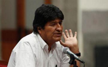 Evo regresó a México por aeropuerto de Puebla en avión venezolano, según diario