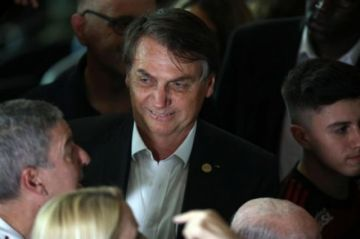 """Bolsonaro pasa por exámenes médicos para investigar """"posible cáncer de piel"""""""