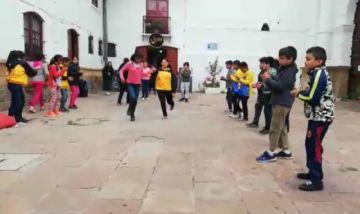 Niños ensayan de cara al concurso de chuntunquis