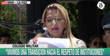 Áñez plantea nueva agenda al Ejército en su aniversario