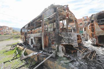 Van a prisión dos choferes acusados de quemar buses