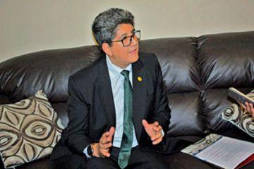U: Padilla anuncia congreso interno