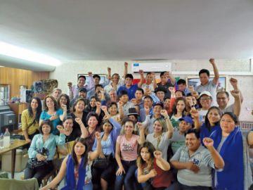 Evo alista campaña  del MAS desde la capital argentina