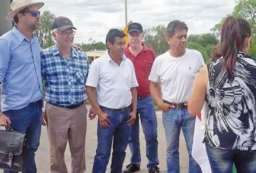 Cossío intenta ingresar al país tras nueve años