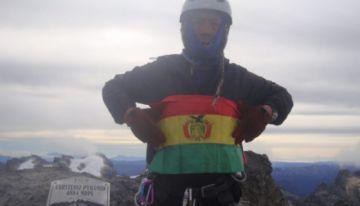 Bernardo Guarachi es el primer boliviano en ascender las siete cimas más altas del mundo