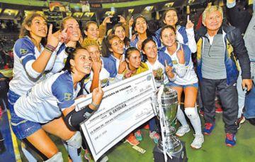 """La """"U"""" Católica, campeón  de la Liga de Voleibol"""