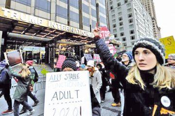 Masiva marcha femenina se estrella contra Trump