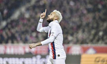 Neymar da alas al PSG, que domina en Francia