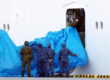 Detectan 60 nuevos casos de coronavirus en crucero amarrado en puerto japonés
