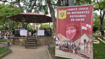 Potosinos en Sucre reciben aportes en la plaza 25 de mayo para ayudar a Cotagaita