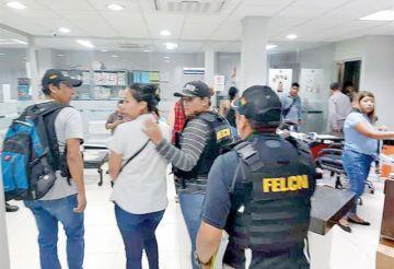 Acorralada por la Policía, se entrega Dora Vallejos
