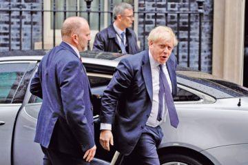 Reino Unido exigirá a los migrantes hablar inglés