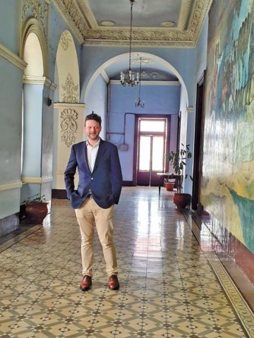 El embajador de Reino Unido pasa el feriado en Sucre