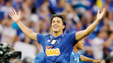 Martins debuta con un triunfo en su retorno al Cruzeiro
