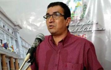 Asambleísta dice que Urquizu puede solicitar una nueva licencia