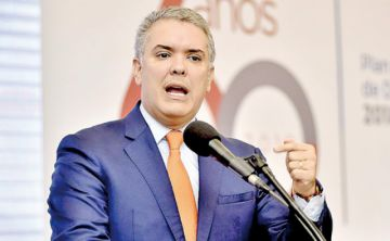 Tormenta mediática salpica a la cúpula política colombiana