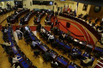 El Salvador decreta estado de excepción para enfrentar pandemia del coronavirus