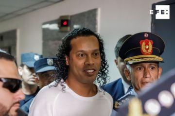 Ronaldinho deja la cárcel tras pago de una fianza millonaria y pasa a un hotel en Paraguay
