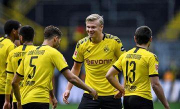El fútbol alemán volvió con un festín de goles del Borussia Dortmund