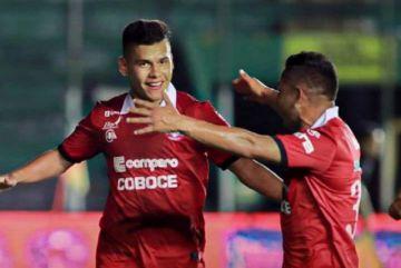 Moisés Villaroel, primer futbolista profesional con covid-19 en Bolivia, derrota al virus