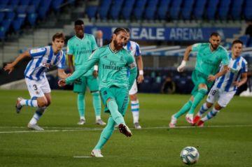 El Real Madrid sufre en San Sebastián para hacerse con el liderato en España