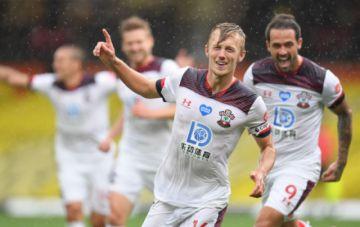 El Watford de Inglaterra aparta a tres jugadores por montar una fiesta