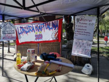 Hinchas de Universitario buscan entregar 300 canastas de alimentos