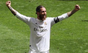 Real Madrid gana gracias a un penal de VAR y se acerca al título