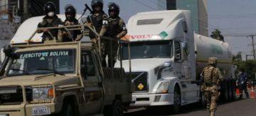 Parte convoy de oxígeno desde Santa Cruz; ministro de Defensa anuncia intervención pacífica