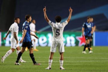 París SG pasa a semifinales de Champions con remontada en el descuento