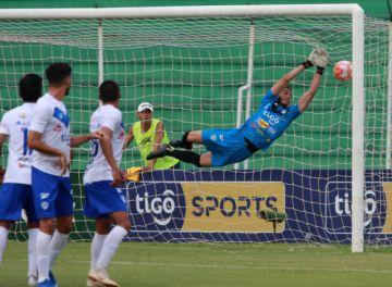 El fútbol boliviano podría volver a las canchas en noviembre