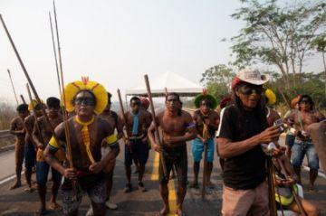 Indígenas brasileños prometen bloqueo indefinido en carretera amazónica
