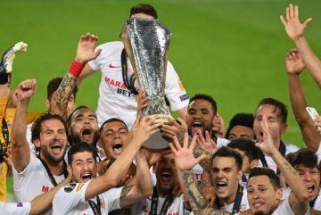 El Sevilla alza su sexto título de la Europa League