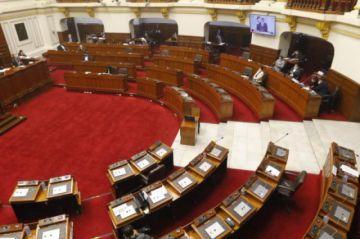Congreso de Perú admite moción para destituir al presidente Vizcarra