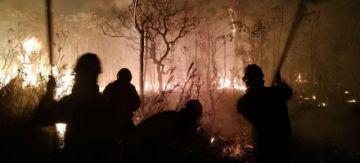 Santa Cruz declara emergencia por los incendios y el Gobierno pide no escandalizar