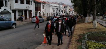 """Arrestan a jóvenes """"autoconvocados"""" que acompañan al cívico Delfín Romero"""