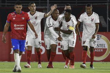 Wilstermann cae ante el brasileño Paranaense en el reinicio de la Libertadores