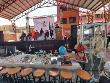 Ministros llegan a Sucre con proyectos, laboratorios y estrategia sanitaria a un mes de las elecciones