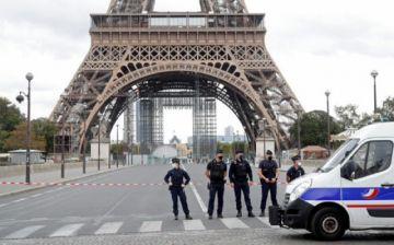 Cierran y desalojan la torre Eiffel por una amenaza de bomba