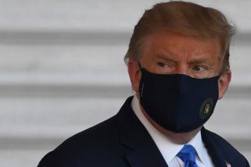 """Trump """"evoluciona bien"""" pero """"no está fuera de peligro"""", dice su médico"""