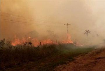 Santa Cruz: El fuego devasta una vivienda y asedia a pobladores de Yotaú