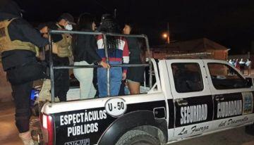 Arrestan a 20 personas tras ser sorprendidas en una fiesta clandestina en Sucre