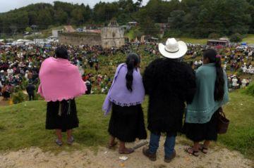 México celebra el Día de Muertos con restricciones y enlutado por el covid-19