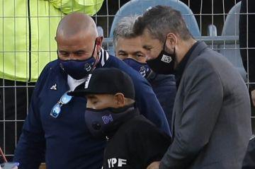 Diego Maradona, internado en una clínica de Argentina
