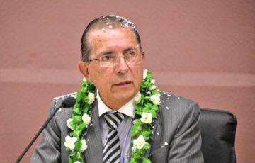 Ministro de Salud recibe su despacho y ratifica relanzamiento del SUS